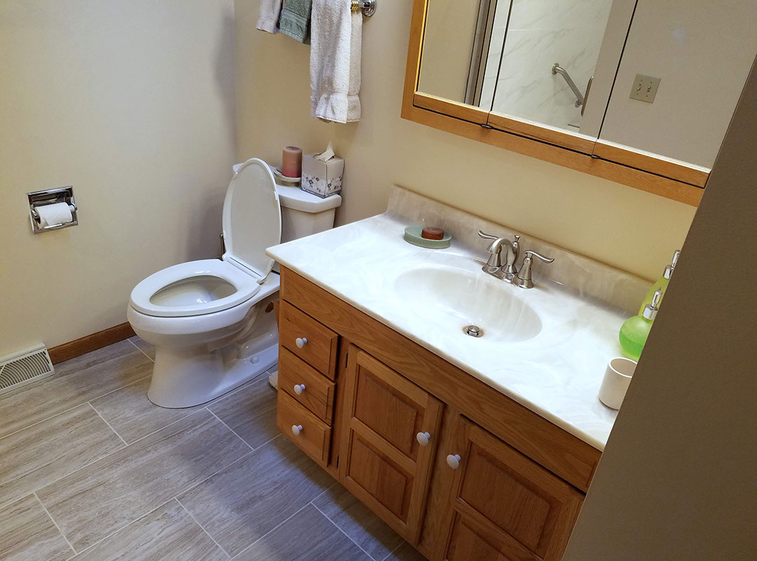 New Tile And Vanity View