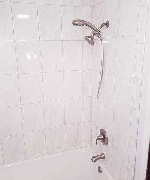Tub And Faucets With Showerhead